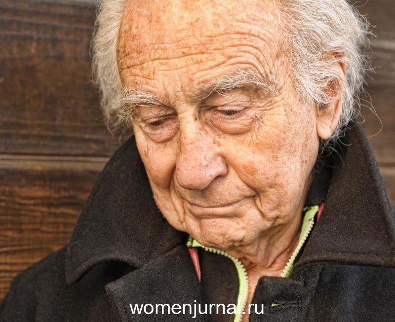 Как убрать старческий запах тела и личных вещей из жилища человека. У одних он появляется в 75 лет, у других — в 30.