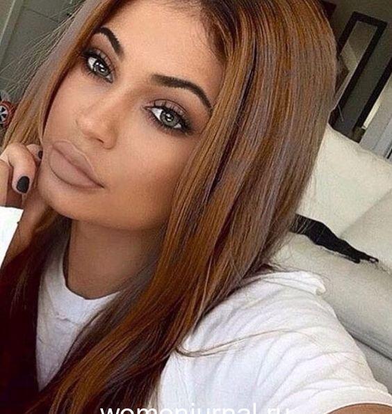 145d4697b63a3ef0eb3c157fba46ce90-jenner-makeup-kylie-jenner-hair-4-1941536