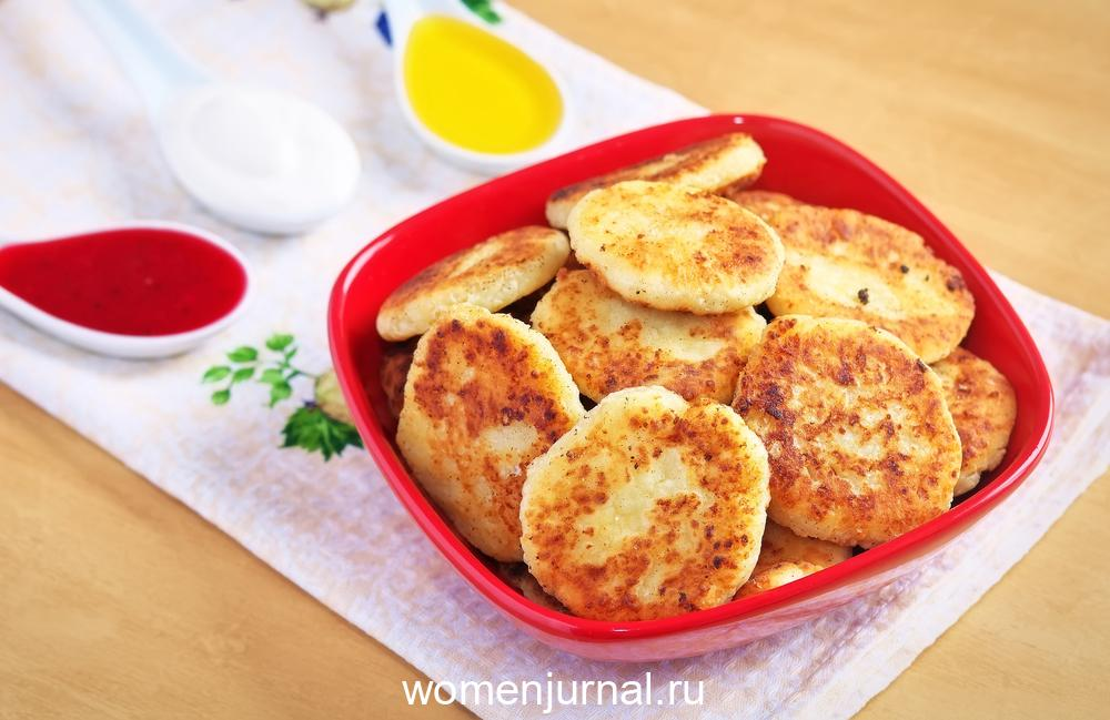 syrniki-cottage-cheese-pancakes-fritters-of-cottage-cheese-tr
